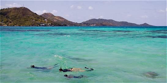 En San Andrés, turistas consumen el doble de agua