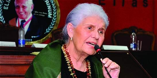 Universidad argentina rinde homenaje a Saray Castilla de Bechara