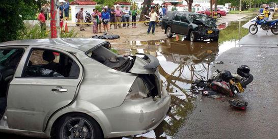 Tres muertos y dos heridos deja choque de automóviles en Neiva