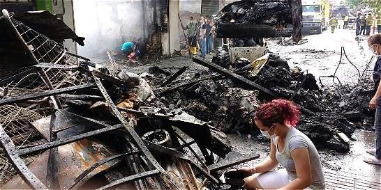Incendio de 4 horas devoró 10 locales comerciales en centro de Neiva