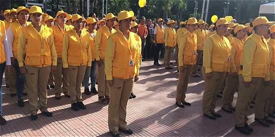 130 mujeres cabeza de hogar ayudan a regular el tránsito en Cúcuta