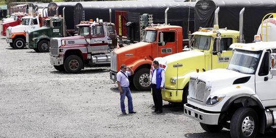 Sin cierre de vías, este martes se inicia paro nacional de camioneros
