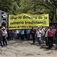 Minería de cúbicos en el Eje Cafetero se queja por desempleo