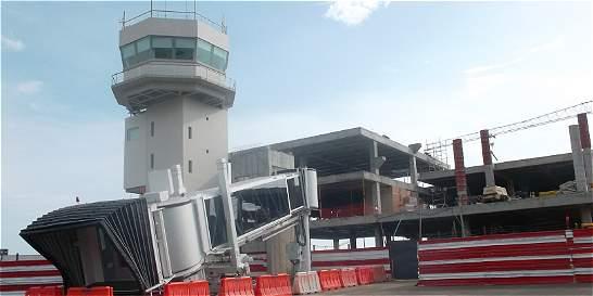 Samarios contentos por las obras del aeropuerto