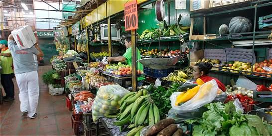 Paro camionero mantiene altos los precios de los alimentos