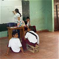 En Córdoba faltan 747 docentes y 2.200 aulas