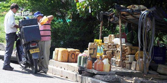 Caen 28 traficantes de gasolina venezolana en operativos de la Policía