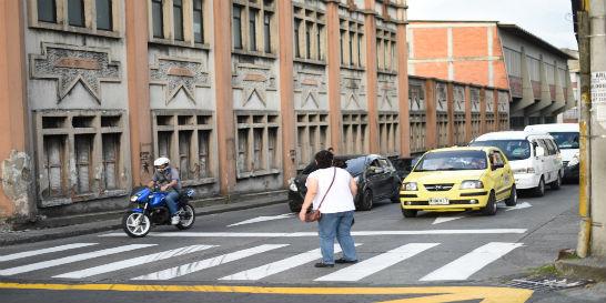 Los semáforos peatonales brillan por su ausencia en Pereira