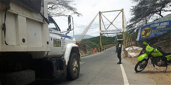 Prohíben paso de carga pesada por puente que une Cúcuta con El Zulia