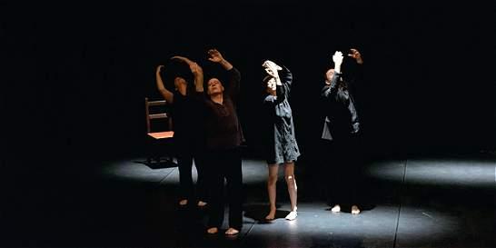 Se abre el telón del teatro en Armenia
