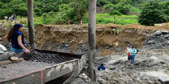 La minería ilegal sigue acabando el río Agüíta en Risaralda