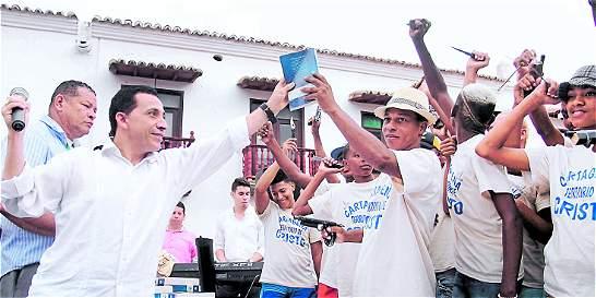 Un centenar de pandilleros de Cartagena cambian armas por biblias