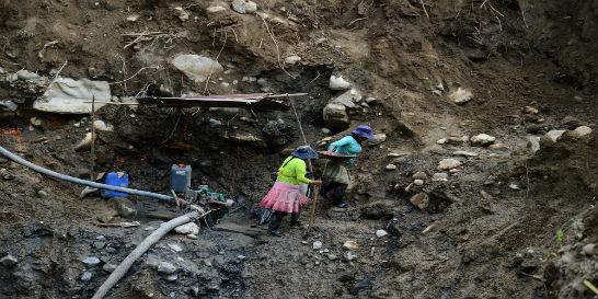 Así destruye la minería ilegal el río Agüíta en Pueblo Rico, Risaralda
