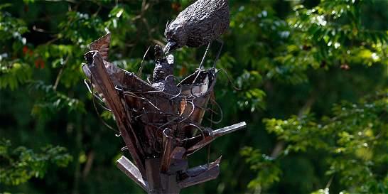 Con dos esculturas, Manizales celebra la firma del acuerdo de paz