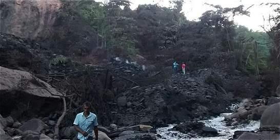 Recomiendan no beber agua de quebrada tras explosión en Simacota
