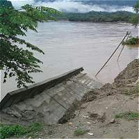 Se cayó muro de contención sobre el río Magdalena en La Dorada