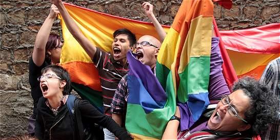 Cada mes hay menos de diez matrimonios gais en el país