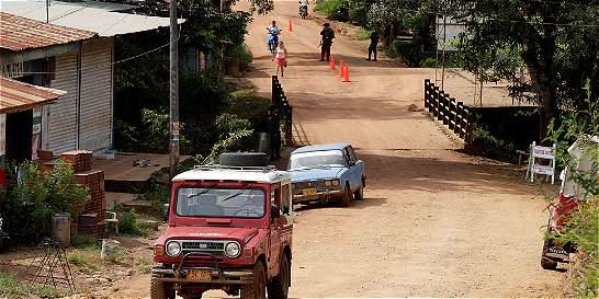 Secuestran a una profesora en la carretera que une a Cauca y Huila