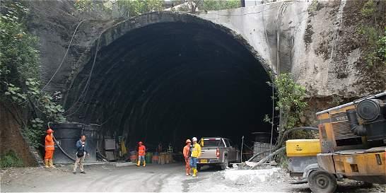 Más de 500 trabajadores quedarían sin empleo en el túnel de La Línea