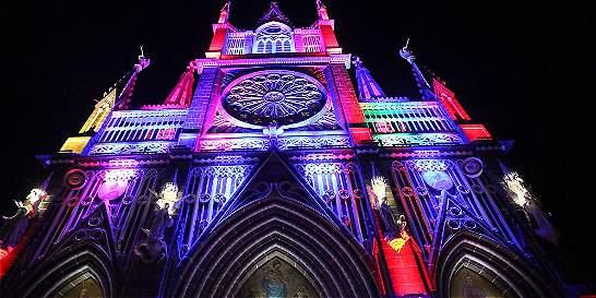El Santuario de las Lajas celebra un año con su iluminación
