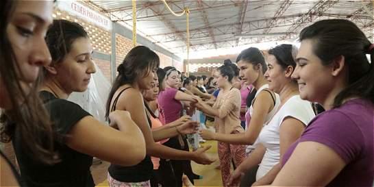 Entrenan a mujeres en artes marciales para que se defiendan de ataques