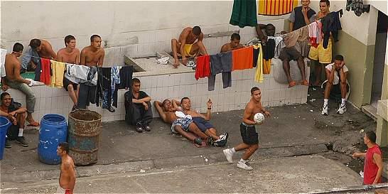 Reclusos de la cárcel de varones de Pereira se amotinaron