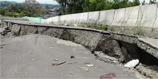 Alarma por hundimiento en una vía cercana al túnel de La Línea