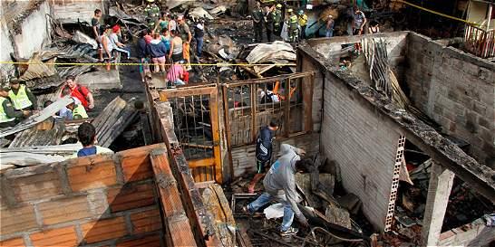 El barrio que se incendió en Chinchiná busca renacer de sus cenizas