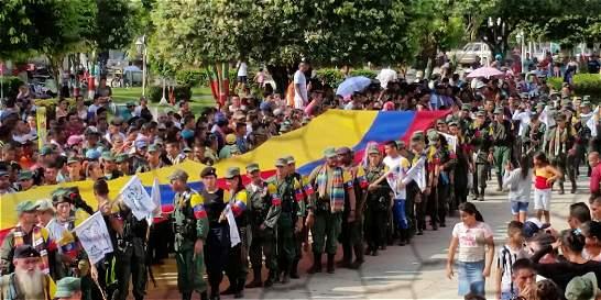 Marcha bloqueada de las Farc llega a punto de desarme en el Catatumbo