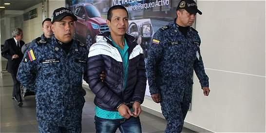 'Estaba fuera de Colombia por bruta': transexual repatriada de China