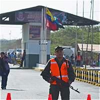 Expulsan a oficiales de Venezuela por ingreso ilegal a Colombia