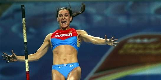 Isinbayeva superó su lesión y la otra semana vuelve a entrenar