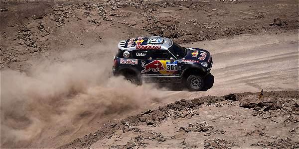 Al-Attiyah, durante la etapa de este viernes en el Dakar-2015.