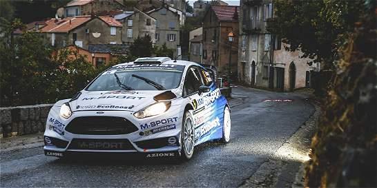El británico Elfyn Evans lidera el Rally de Francia