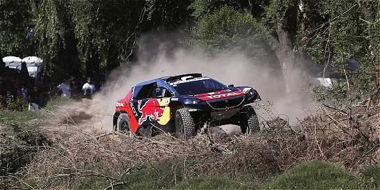 Loeb y Peterhansel, doblete para Peugeot en la segunda etapa del Dakar