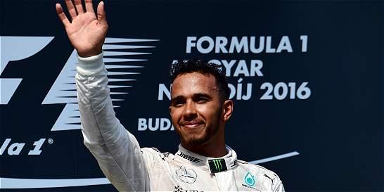 Hamilton gana en Hungría y es el nuevo líder de la F1