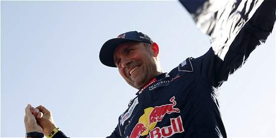 Peterhansel, en autos, y Sunderland, en motos, campeones del Dakar