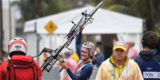 Kristin Armstrong logró su tercera medalla de oro en la crono femenina