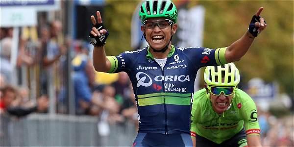 Esteban Chaves estará con el equipo Orica hasta finales del 2019.