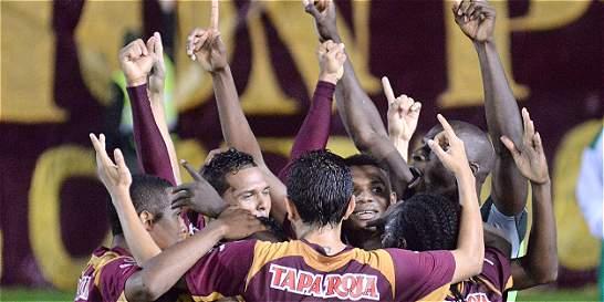 Tolima pegó primero: 2-0 a Santa Fe en la ida de la final de la Copa