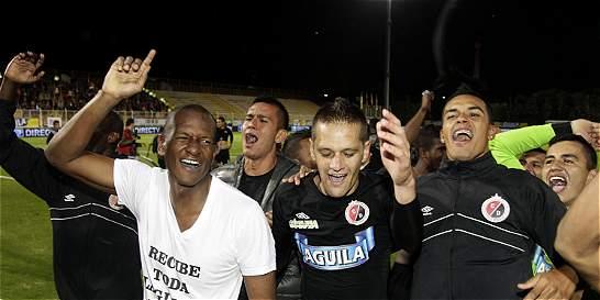 Con gol con la mano, Cúcuta Deportivo volvió a la A