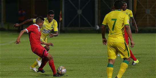 Fortaleza frenó al líder Bucaramanga y lo venció 2-1 en la B