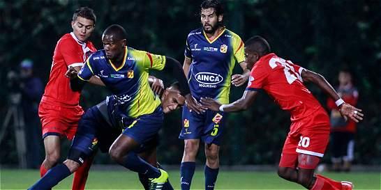 Fortaleza derrotó al Pereira y es el líder en el Grupo B del ascenso