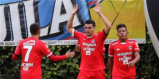 Fortaleza consiguió un triunfo vital: derrotó 2-1 a Rionegro