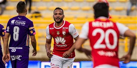 Santa Fe salvó un punto en Techo: empató 1-1 contra Medellín