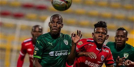 Equidad y Fortaleza empataron 2-2 en Techo