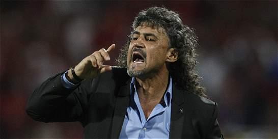 'Los directivos tienen derecho de hablar con quien quieran': Álvarez