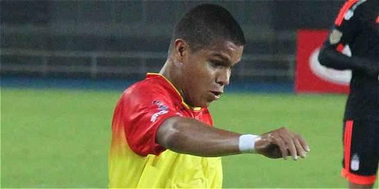 Polémica jugada en el empate 2-2 entre Pereira y Leones, en la B