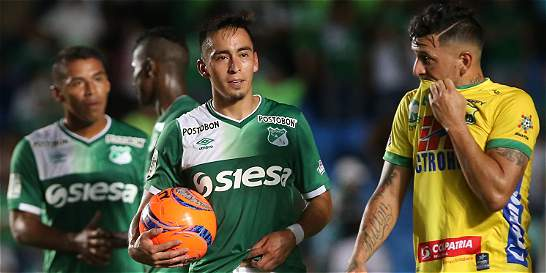 Tripleta de Fabián Sambueza en la goleada 4-0 del Cali al Hiuila