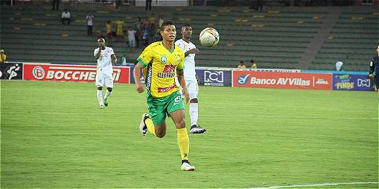 Con dos goles de Cangá, Huila derrotó 2-1 a Medellín